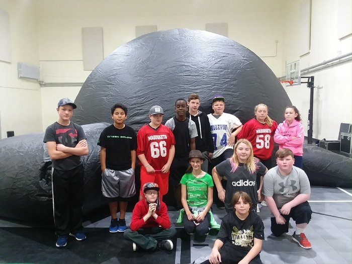 7th grade ready for the star lab!